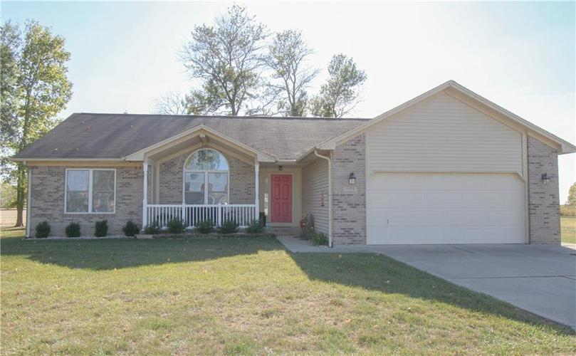 1599 MANOR Drive Hope, IN 47246 | MLS 21674129 | photo 1