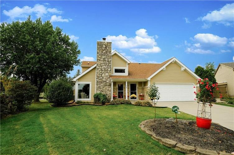 24 TURNBERRY Circle Greenwood, IN 46143 | MLS 21674143 | photo 1