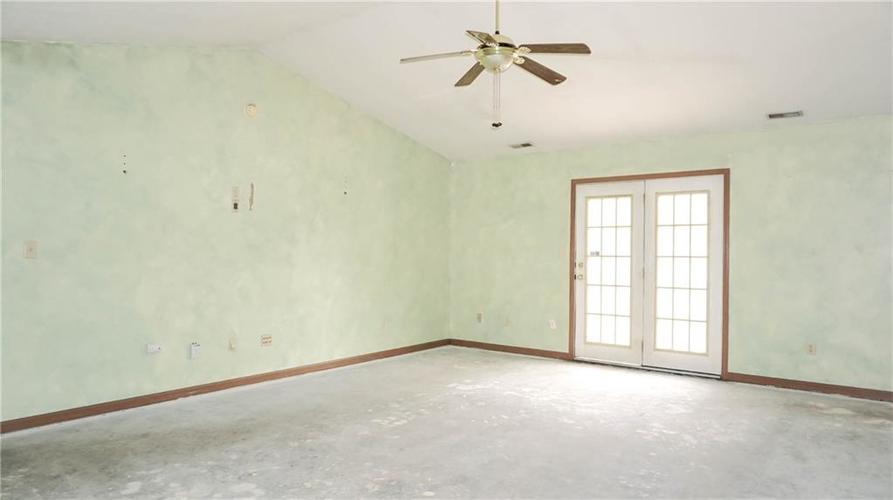 2255 Peter Drive Indianapolis, IN 46229 | MLS 21674230 | photo 13