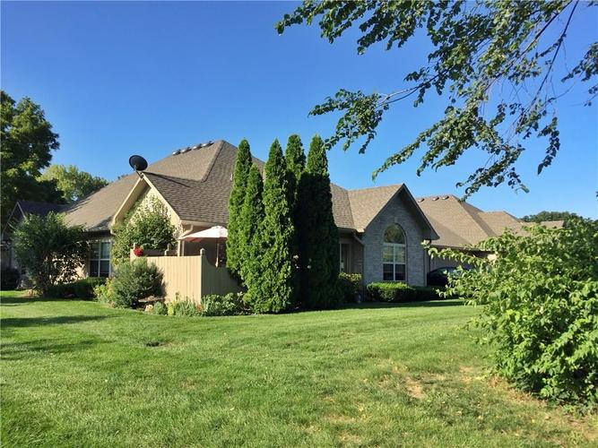 7653 Briarstone Drive Indianapolis, IN 46227   MLS 21674271   photo 2