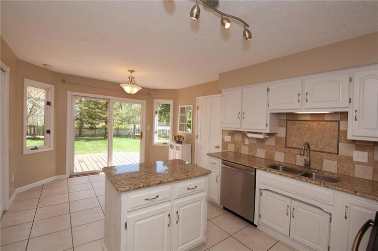 8651 PROMONTORY Road Indianapolis, IN 46236 | MLS 21674273 | photo 12