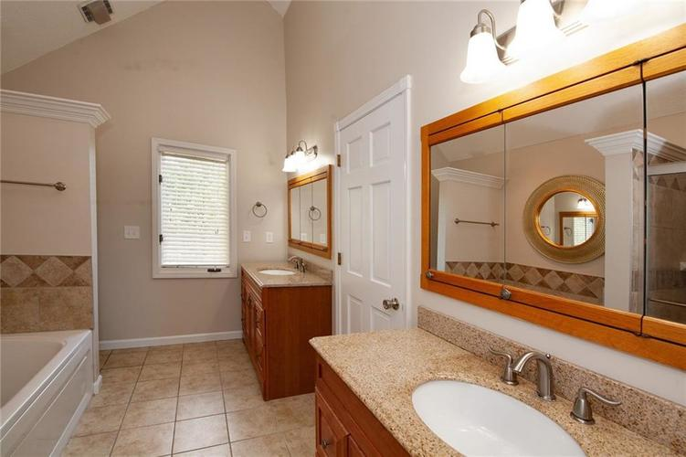 8651 PROMONTORY Road Indianapolis, IN 46236 | MLS 21674273 | photo 25