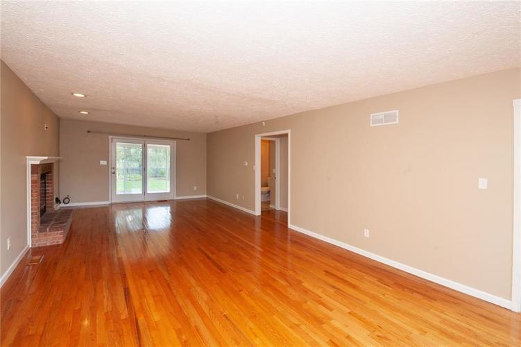8651 PROMONTORY Road Indianapolis, IN 46236 | MLS 21674273 | photo 5
