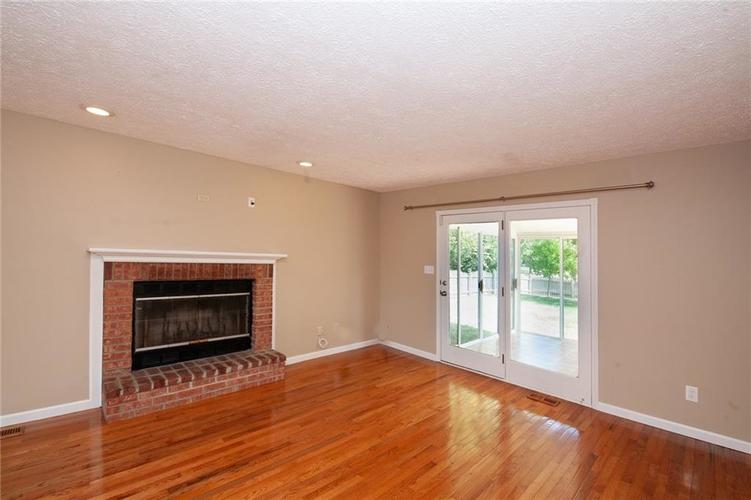 8651 PROMONTORY Road Indianapolis, IN 46236 | MLS 21674273 | photo 6