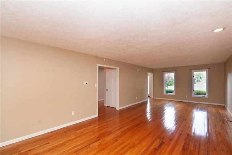 8651 PROMONTORY Road Indianapolis, IN 46236 | MLS 21674273 | photo 7