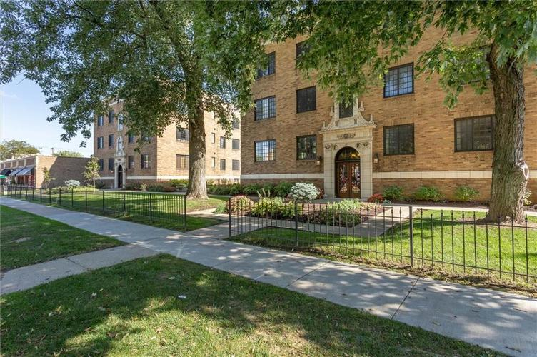 5347 N College Avenue #207 Indianapolis, IN 46220 | MLS 21674319 | photo 1