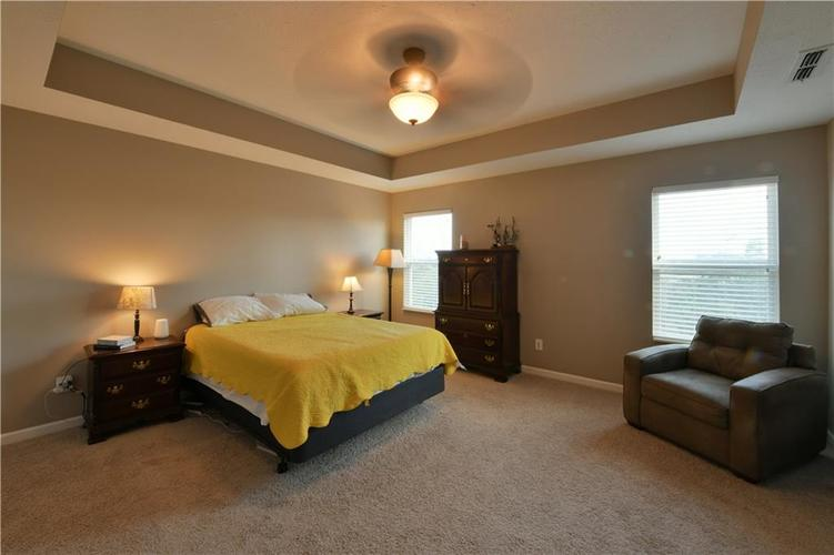 5721 Sly Fox Lane Indianapolis, IN 46237 | MLS 21674380 | photo 22