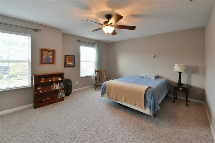 5721 Sly Fox Lane Indianapolis, IN 46237 | MLS 21674380 | photo 24