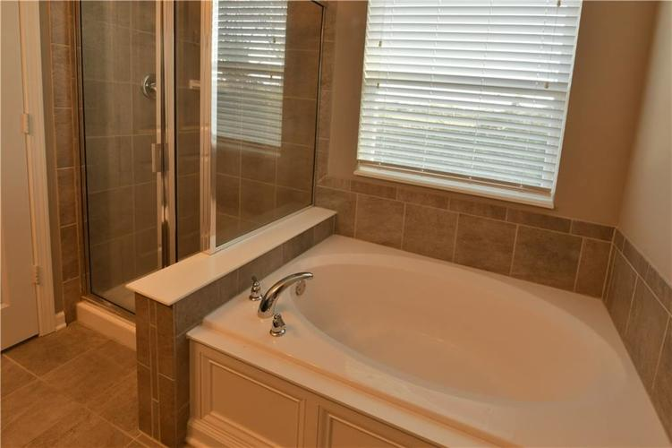 5721 Sly Fox Lane Indianapolis, IN 46237 | MLS 21674380 | photo 27