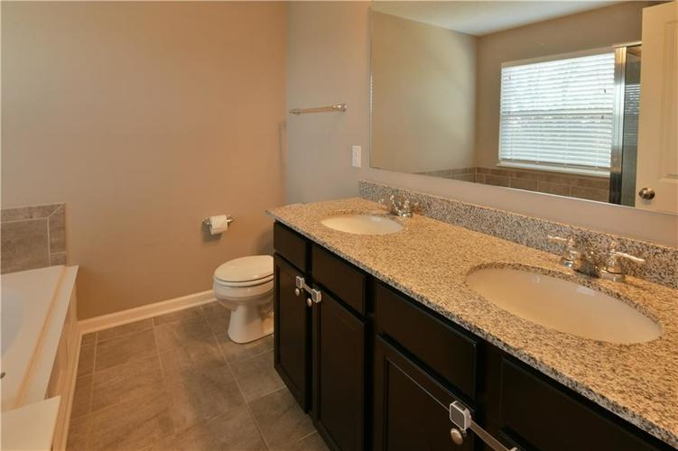 5721 Sly Fox Lane Indianapolis, IN 46237 | MLS 21674380 | photo 29