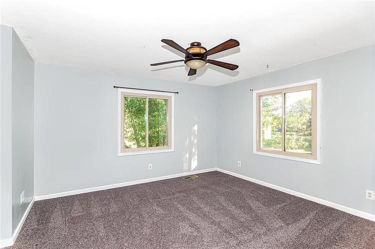 820 Redwood Drive Anderson, IN 46011 | MLS 21674388 | photo 25