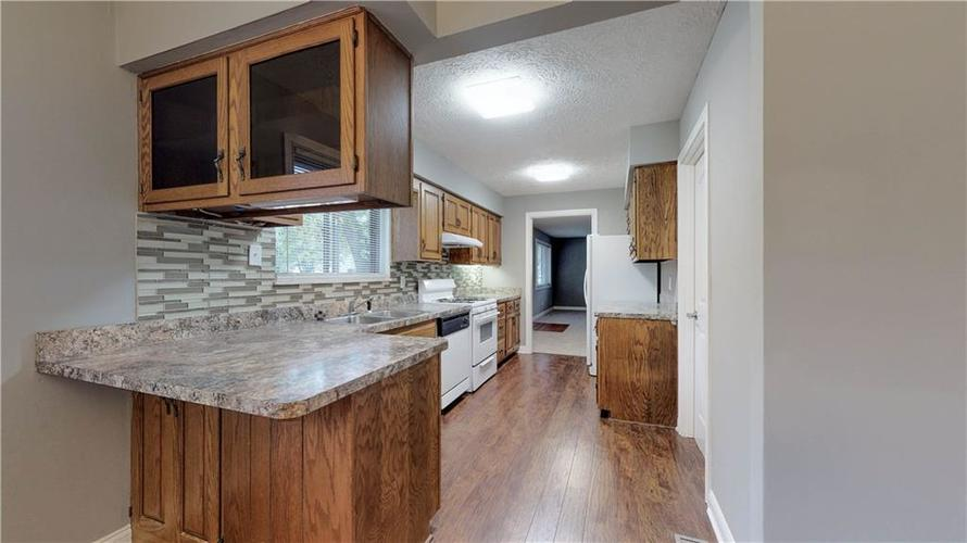 9037 Panorama Court Indianapolis, IN 46234 | MLS 21674459 | photo 12