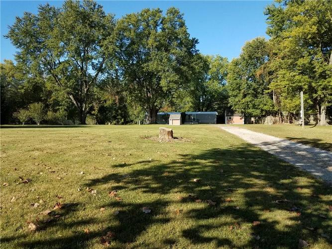 11768 N East Drive Camby IN 46113 | MLS 21674545 | photo 1