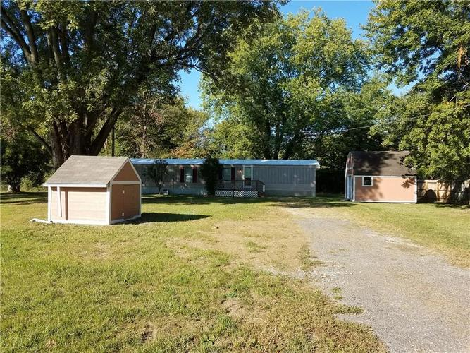 11768 N East Drive Camby IN 46113 | MLS 21674545 | photo 2