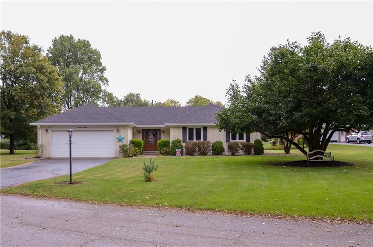 1319  Almond Court Plainfield, IN 46168 | MLS 21674631