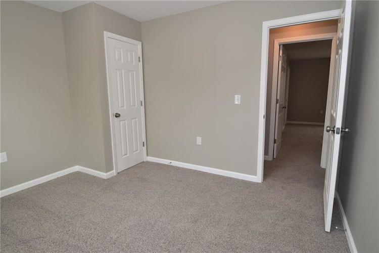 2305 Valley Creek West Lane Indianapolis, IN 46229 | MLS 21674636 | photo 15