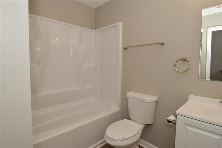 2305 Valley Creek West Lane Indianapolis, IN 46229 | MLS 21674636 | photo 16
