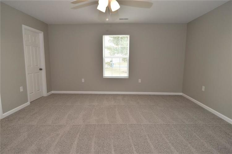 2305 Valley Creek West Lane Indianapolis, IN 46229 | MLS 21674636 | photo 17