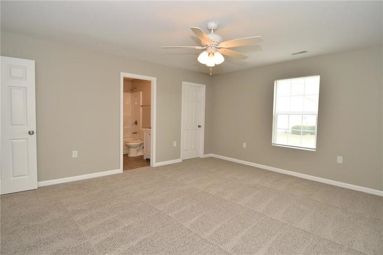 2305 Valley Creek West Lane Indianapolis, IN 46229 | MLS 21674636 | photo 18