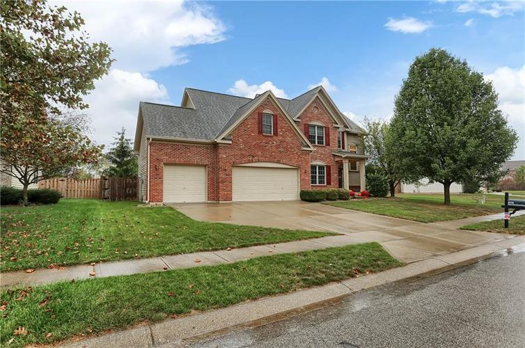 8038  Park Meadows Drive Brownsburg, IN 46112 | MLS 21674679