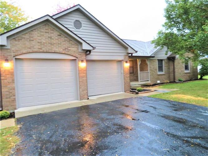 5929 W Countryside Drive New Palestine, IN 46163 | MLS 21674703