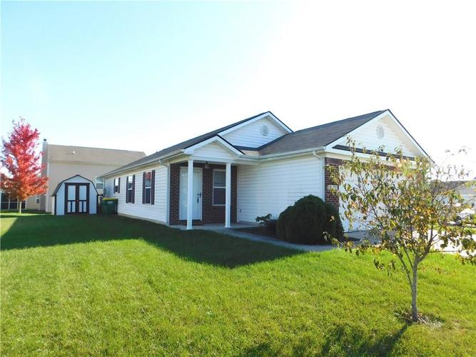 3717 Golden Grain Drive Whitestown, IN 46075 | MLS 21674735 | photo 3
