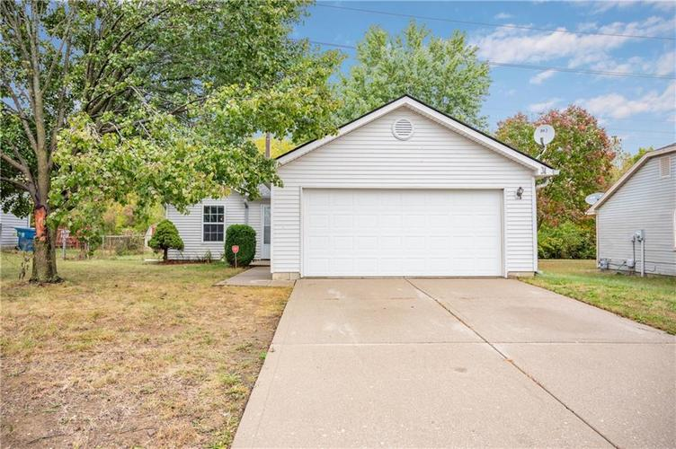 10326 Maumee Drive Indianapolis, IN 46235 | MLS 21674802 | photo 1