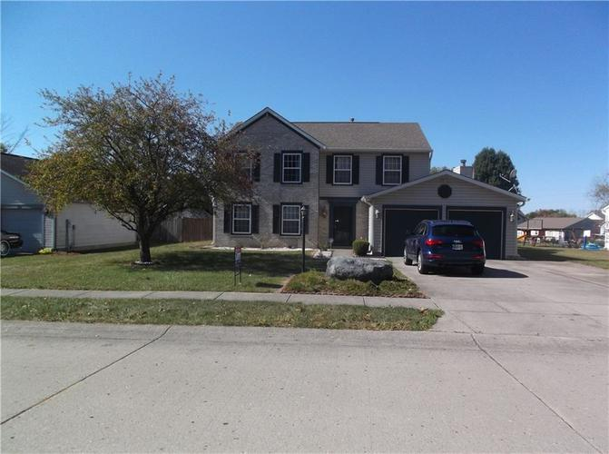 320  Palmyra Drive Indianapolis, IN 46239 | MLS 21674810