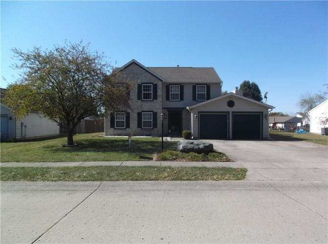 320 Palmyra Drive Indianapolis, IN 46239 | MLS 21674810 | photo 3
