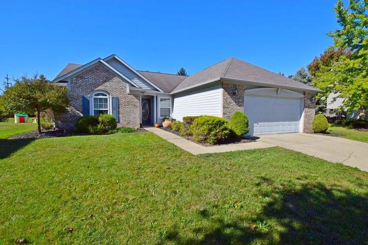 9820 Youngwood Lane Fishers, IN 46038 | MLS 21674822 | photo 1