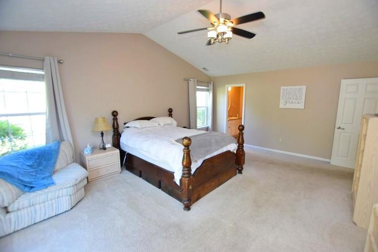 9820 Youngwood Lane Fishers, IN 46038 | MLS 21674822 | photo 11