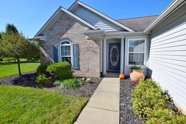 9820 Youngwood Lane Fishers, IN 46038 | MLS 21674822 | photo 3