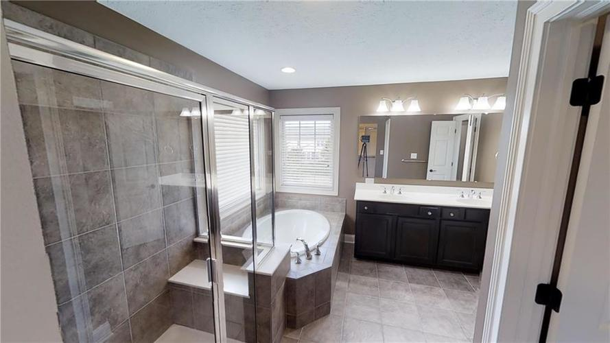 12461 Westmorland Drive Fishers, IN 46037   MLS 21674845   photo 25