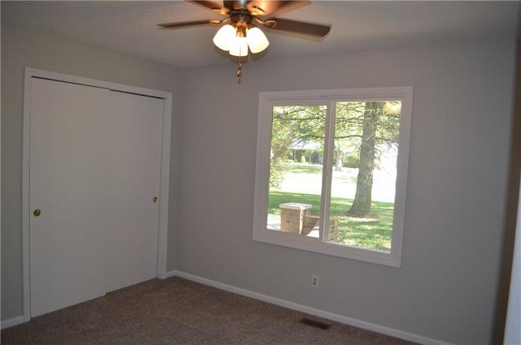 1328 S BUTTERCUP Drive New Palestine, IN 46163 | MLS 21674846 | photo 15