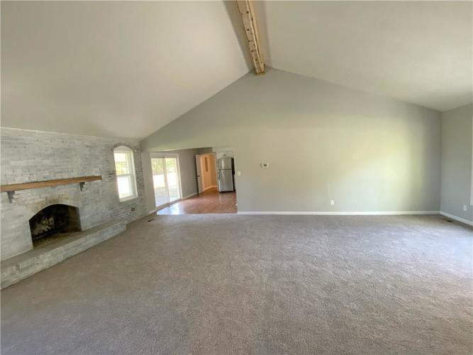 1328 S BUTTERCUP Drive New Palestine, IN 46163 | MLS 21674846 | photo 4