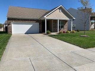 1966 Creek Bank Drive Columbus, IN 47201 | MLS 21674995 | photo 1