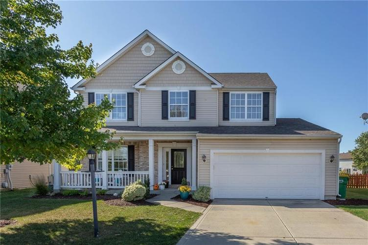 12143  CARRIAGE STONE Drive Fishers, IN 46037 | MLS 21675069