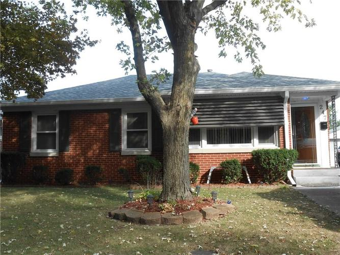 247 N Routiers Avenue Indianapolis, IN 46219 | MLS 21675080 | photo 2