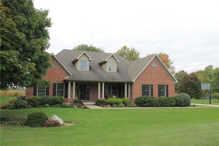 605 S St. Louis Drive Crawfordsville, IN 47933 | MLS 21675131 | photo 1