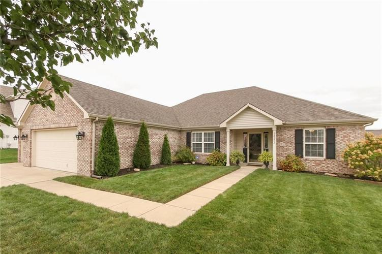 12872 BRONCOS Drive Fishers, IN 46037 | MLS 21675139 | photo 1