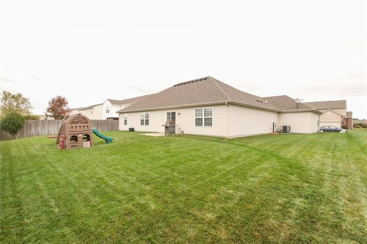 12872 BRONCOS Drive Fishers, IN 46037 | MLS 21675139 | photo 28
