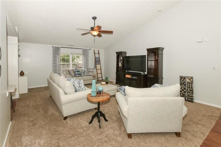 12872 BRONCOS Drive Fishers, IN 46037 | MLS 21675139 | photo 8