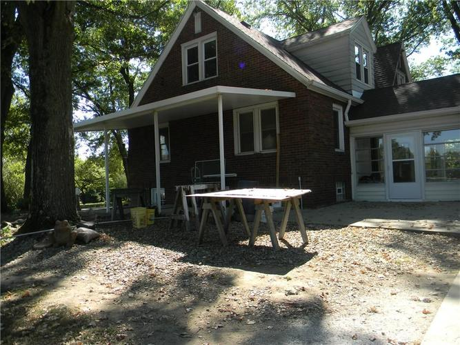10404 E 46th Street Indianapolis, IN 46235 | MLS 21675171 | photo 2