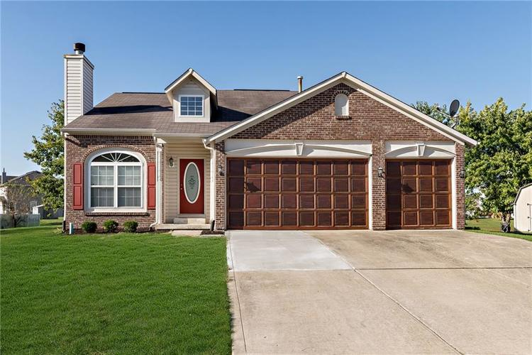 8390 Anderson Circle Avon, IN 46123 | MLS 21675189 | photo 1