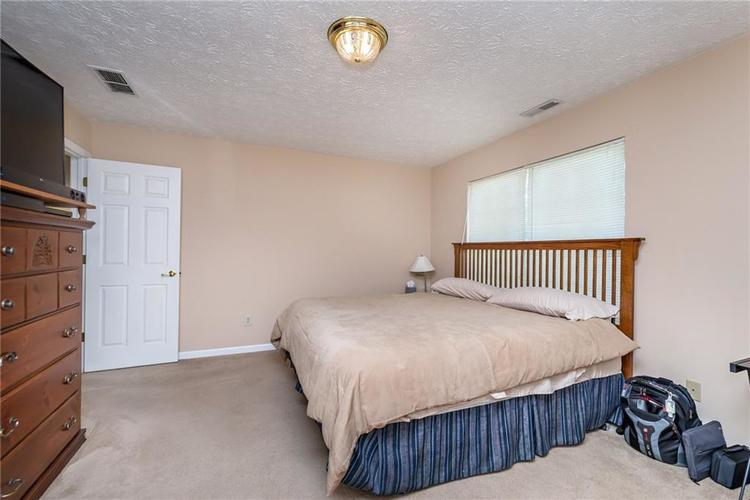 8390 Anderson Circle Avon, IN 46123 | MLS 21675189 | photo 16