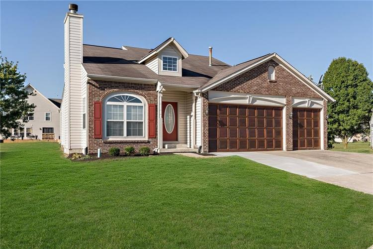8390 Anderson Circle Avon, IN 46123 | MLS 21675189 | photo 2