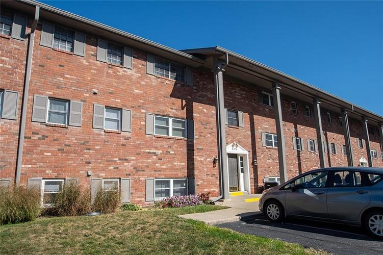 2926 LAKE SHORE Drive #D Indianapolis, IN 46205 | MLS 21675210 | photo 27