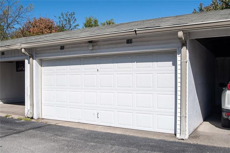 2926 LAKE SHORE Drive #D Indianapolis, IN 46205 | MLS 21675210 | photo 30