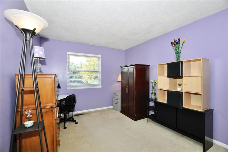 1315 Brookton Court Indianapolis, IN 46260 | MLS 21675216 | photo 20