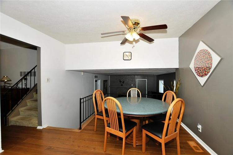 1315 Brookton Court Indianapolis, IN 46260 | MLS 21675216 | photo 8